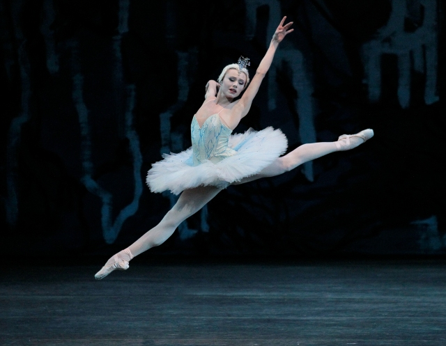 Sara Mearns in Peter Martins's 'Swan Lake.' Photo: Paul Kolnik